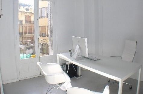 Despacho con terraza